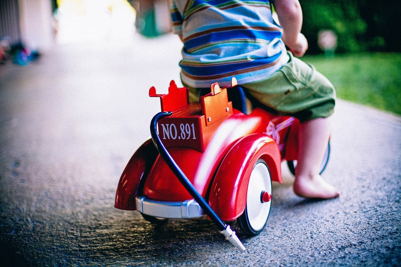 2歲寶寶滑步車