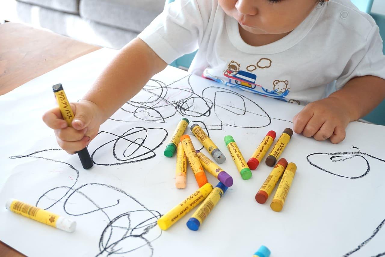 2歲繪畫筆