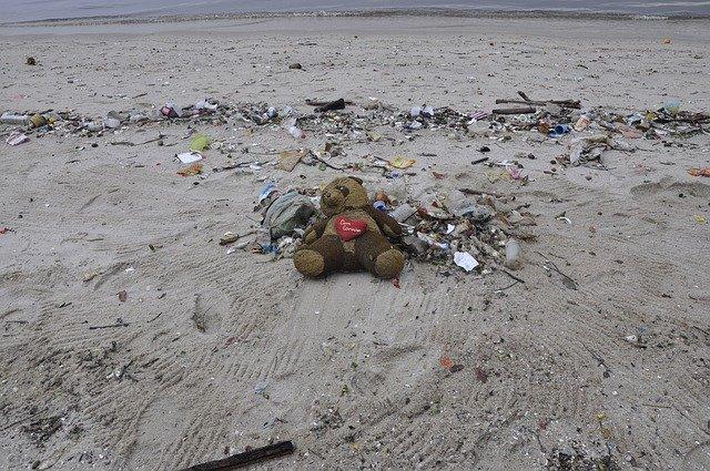 沙灘受汙染情形