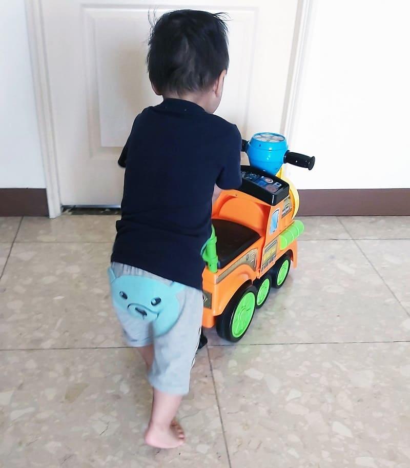 幼兒推拉玩具車